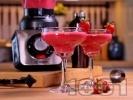 Рецепта Коктейл ягодово Дайкири с пресни плодове, бял ром и ягодов ликьор